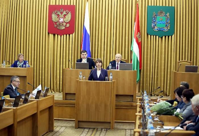 Народные избранники ЗСИркутской области без обсуждений приняли бюджет на 2018-й год